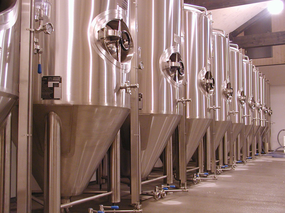 Cylindrical conical beer fermenters
