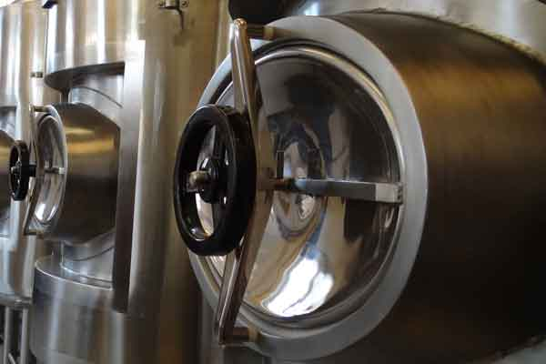 Equipment to fermentation and maturation of cider