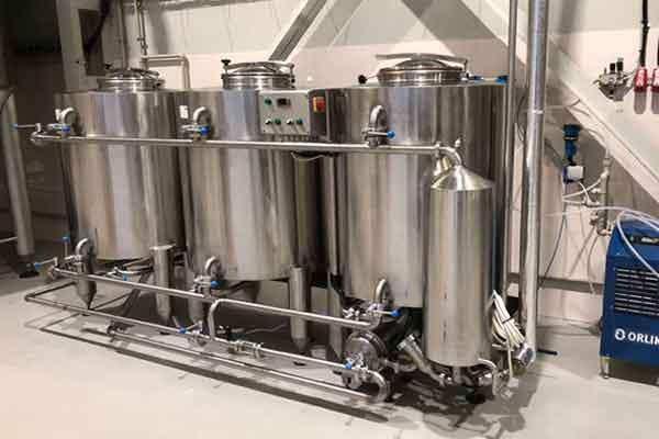 Podporna oprema za pivovarne.