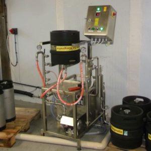 Stroje na proplachování a čištění sudů, plnění piva do sudů