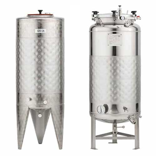 Válcové pivní fermentační nádrže